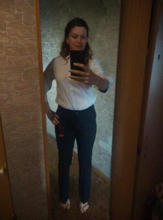 Женская (Vanecia) мой сегодняшний фотолук это белая шифоновая блузка Ханна  и черные женские классические брюки 160-107 от Voolya 1bbb1a82513ac